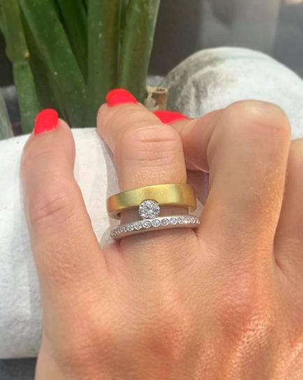 anillos con diamantes talla brillante