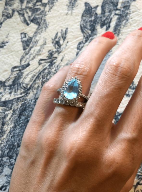 anillos de compromiso azules