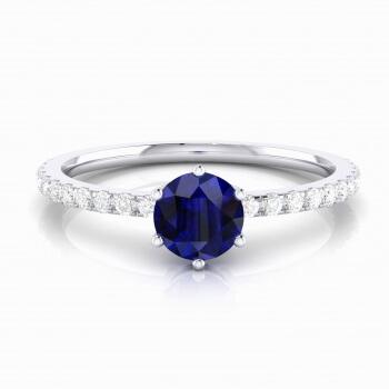 Anell amb safir talla brillant i diamants