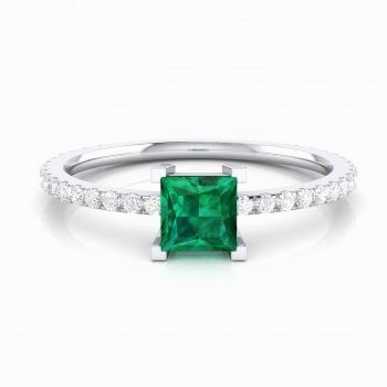 Anell amb turmalina verda talla princesa i diamants