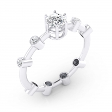 Anell de Diamants en or blanc 18k amb 9 diamants