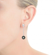 Arrecades en or blanc 18k amb 2 diamants i pereles