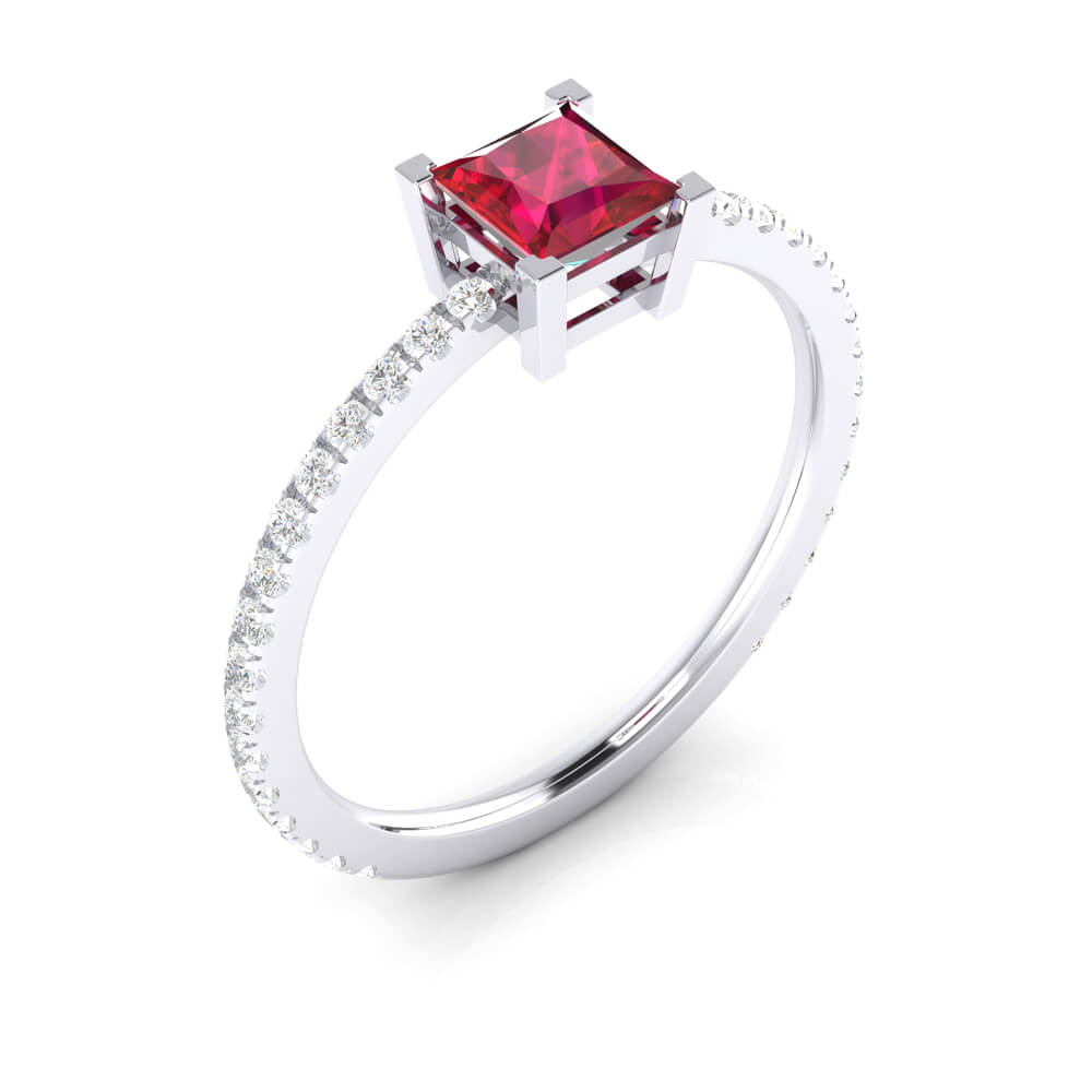 Ring with princess cut red Rubellite and diamonds