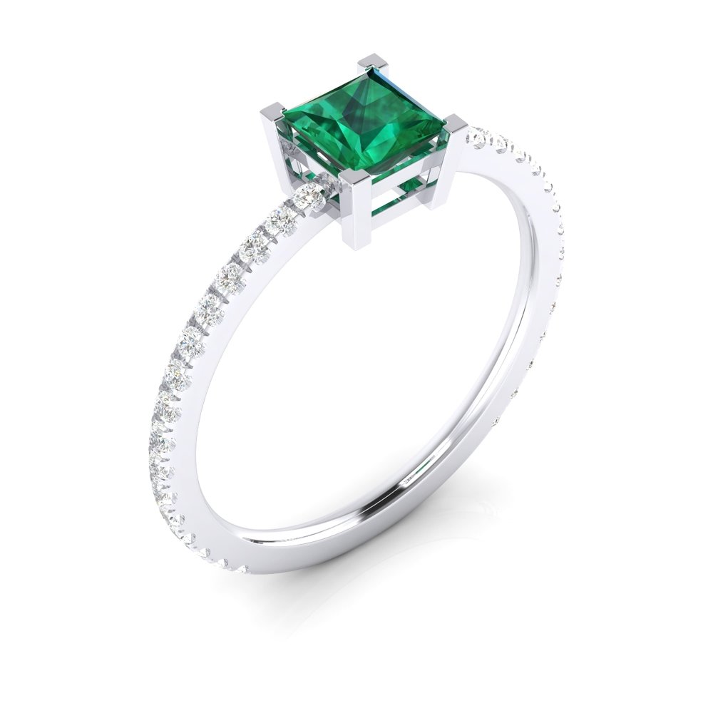 Ring with princess-cut green tourmaline and diamonds