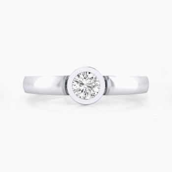 Anillo de compromiso de oro blanco con y diamante talla brillante