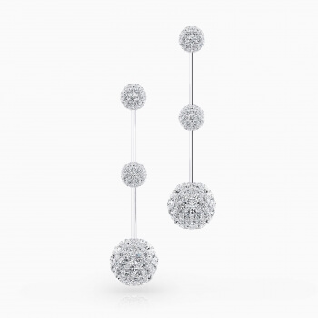 Earrings in 18k white gold with 58 brilliant cut diamond