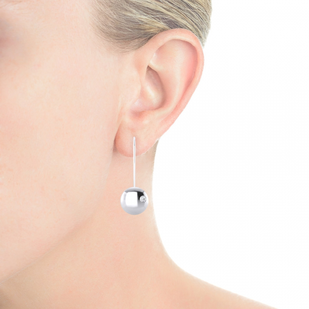 Earrings made of silver with 2 diamonds