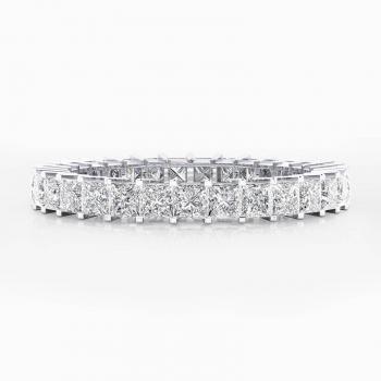 Alianza de boda de oro blanco y 31 diamantes