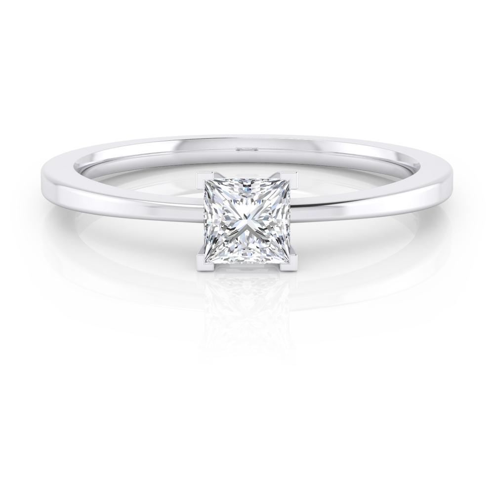 Solitario de compromiso en oro blanco con un diamante talla princesa