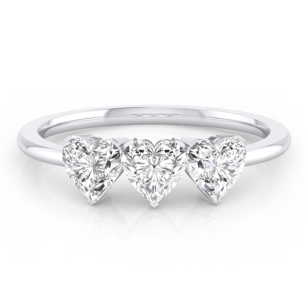 Anillo de oro blanco y diamantes talla corazón