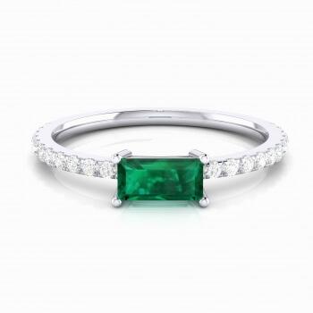 Anillo de esmeralda y diamantes