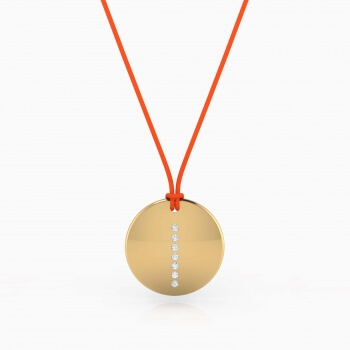 Collar de oro amarillo de 18k con 5 diamantes