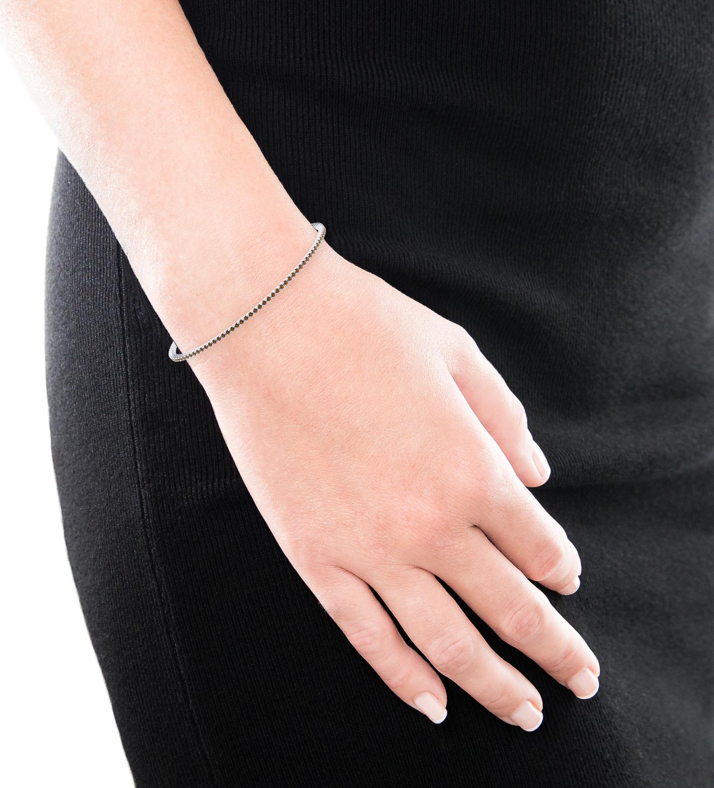 Brown diamond bracelet, 18k white gold. (brilliant cut diamonds of 0,01ct)